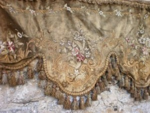 french-silk-velvet-portiere-600x450